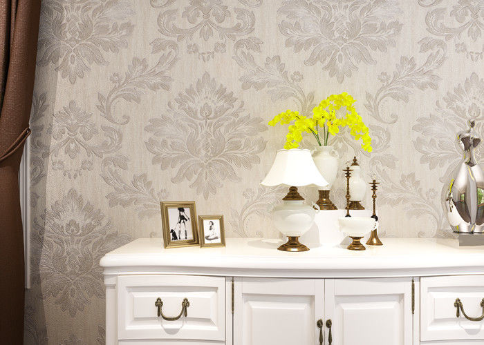 Classic Style Sliver Embossed Wallpaper , White Geometric Damask Pattern Wallpaper